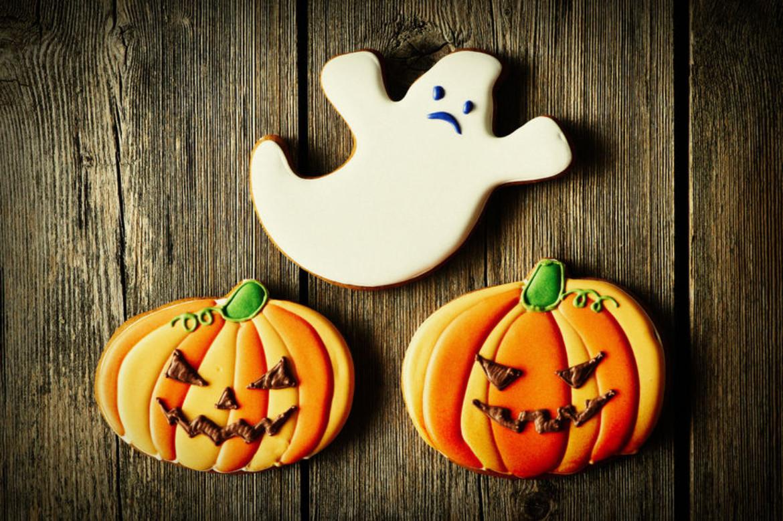 spooky ghosts halloween cookie recipe