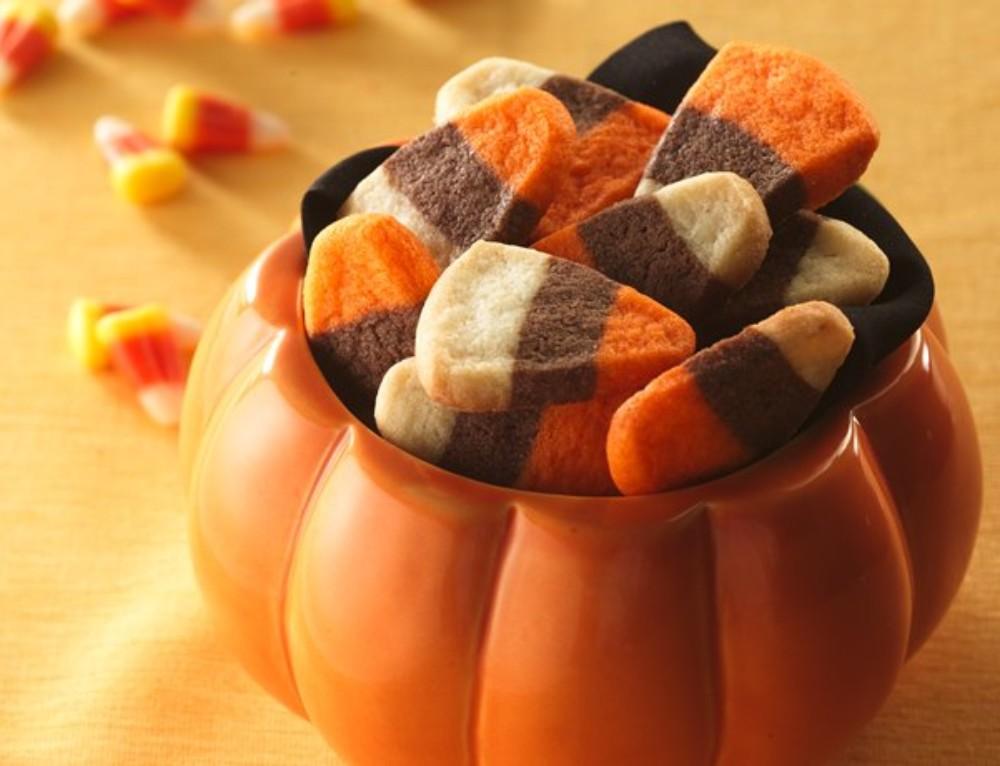 Halloween Candy Corn Sugar Cookie Treats [Crowd Pleaser!]